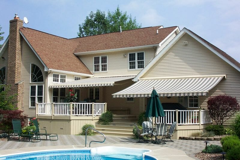 Benefits of Retractable Awnings over Fixed Awnings