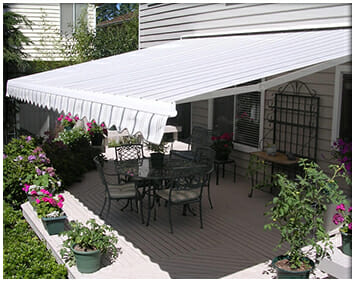 """""""Top 4 Benefits That You'll Enjoy With Your New Motorized Retractable Awnings"""""""